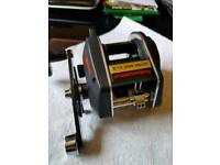 ABU ULTRA MAG XL IV .RARE BOAT REEL IN AMAZING CONDITION HARD TO FIND
