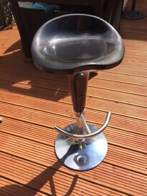 Black and chrome rise and fall bar stool