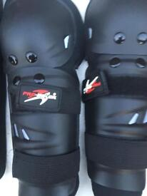 Bicycle shinpads and elbow pads