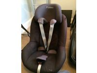 Maxi cosi isofix car seat base with Pearl car seat