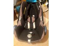 Maxi Cosi infant car seat and Isofix base