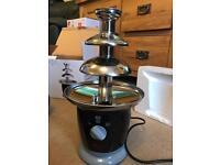 Swan SF7011 chocolate fondue fountain NEVER USED