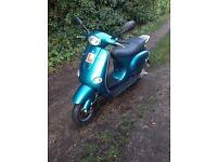 2005 Piaggio Vespa ET2 - 2 Stroke 50cc - Moped Scooter - Twist & Go - MOT'd