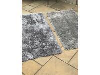 Grey shaggy rug *2