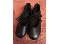 Tap Shoes - (Size 3)