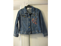 GIRLS DENIM JACKET Age 5-7 (by ladybird) with flower design on the front & pockets
