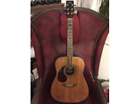 LEFT HANDED ACOUSTIC GUITAR WITH FENDER CASE AND PICKS