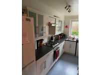 Spacious 2 bed flat right next to Preston Park for rent