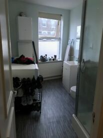 2 Bedroom Flat to rent with tenancy until September 6th - WE ARE NOT LOOKING FOR AN AGENT