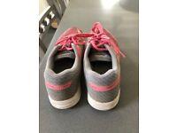 ASICS ladies/girls trainers - UK size 4