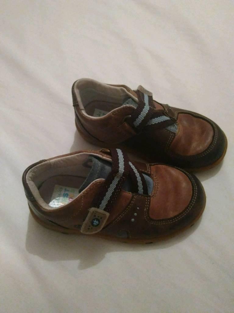 7e22edaccf2 Boys Clarks shoes (different sizes)