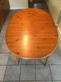 Pine table (extendable) and 6 chairs