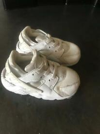 Infant trainers size 6