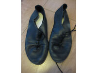 LACE UP BLACK JAZZ SHOES - full sole - size 3 - good condition (small adult size3) NOW REDUCED!