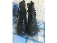 Size 6 new look high heel boots