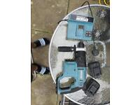 Hammer drill 18v with charger. ERBAUER