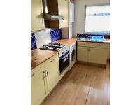 2 Bedroom Flat, Harlington, Hayes, UB3 (close to Heathrow Airport)