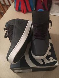 Mens trainers size 10