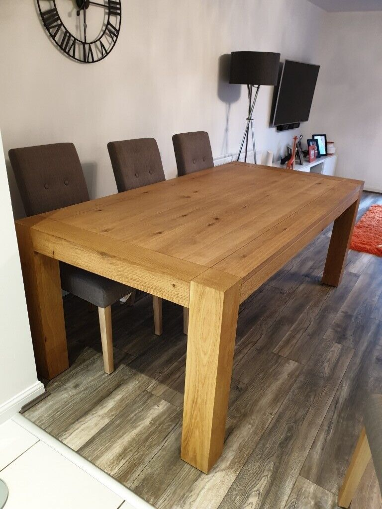 large 6 seater natural oak effect dining room table  in