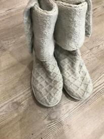 Genuine woman's girls knitted ugg boots 6.5uk size