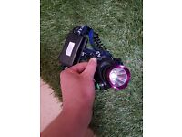 HEAD TORCH EXCELLENT CONDITION 2200 LUMENS 5 HOUR BATTERY LIFE VERY POWERFUL WITH CHARGER & CABLES