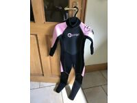 Hospitable New Osprey Womens Short Wetsuit Sixe Small Wetsuits