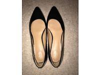 Black Clark's shoes size 7