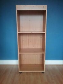 Pine effect bookcase with 2 adjustable shelves