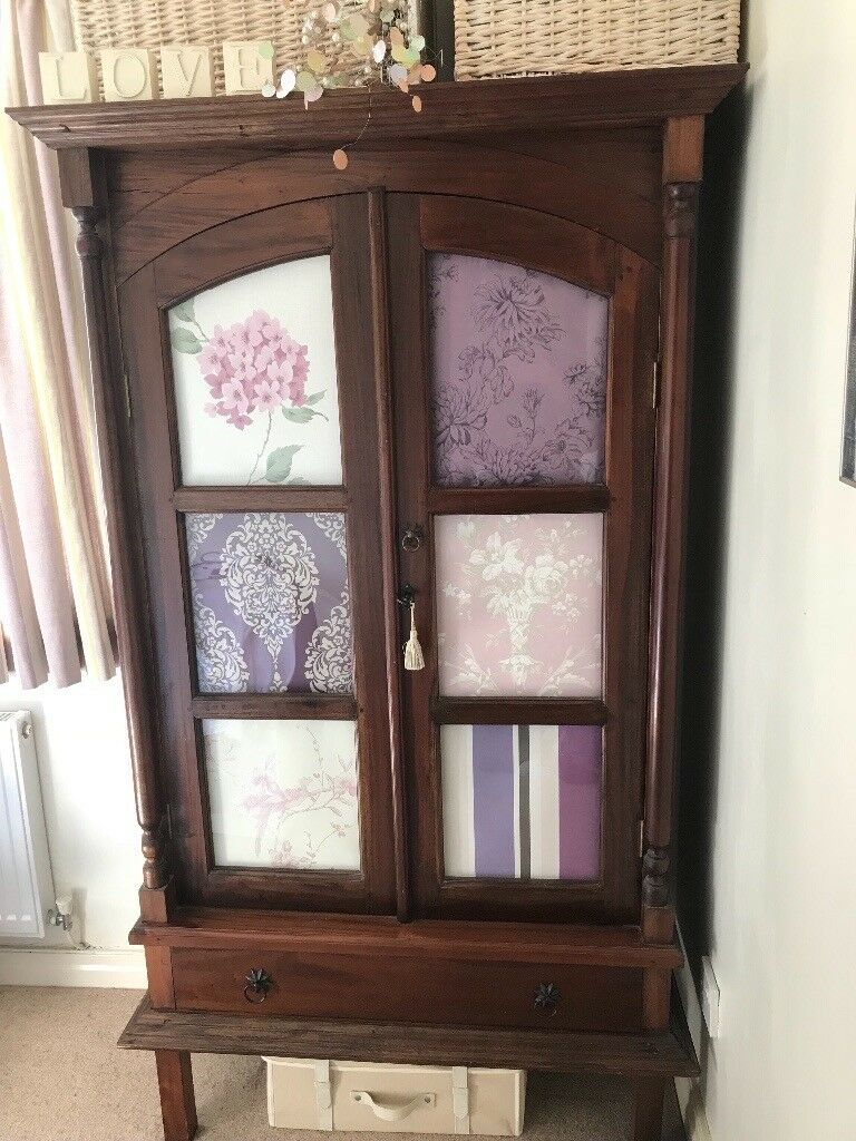 Armoire / Display Cabinet