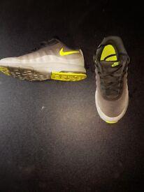 Nike air kids size 2