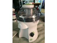 Electric juicer never used and Pro Chef manual veg & salad cutter