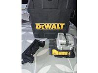 DeWalt DW089K 3 Way Self-Levelling Multi Line Laser (Horizontal, Vertical & Side Lines)