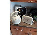 Kettke and toaster