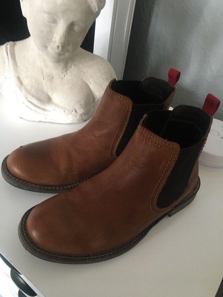 Chelsea boots boys size 1 older kids