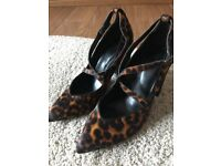 Animal print shoes size 6