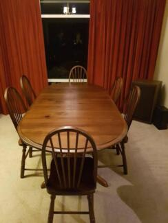 Dining Suite Table 6 Chairs