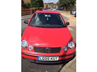 red volkswagon polo 1.2 petrol 05 plate manual £745