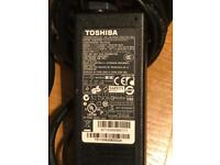 TOSHIBA ORIGINAL CHARGER