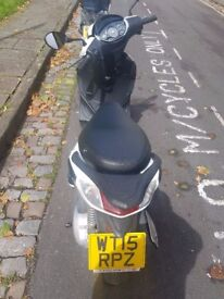 FOR SALE - Excellent PIAGGIO FLY 125 cc Scooter - perfect commuter