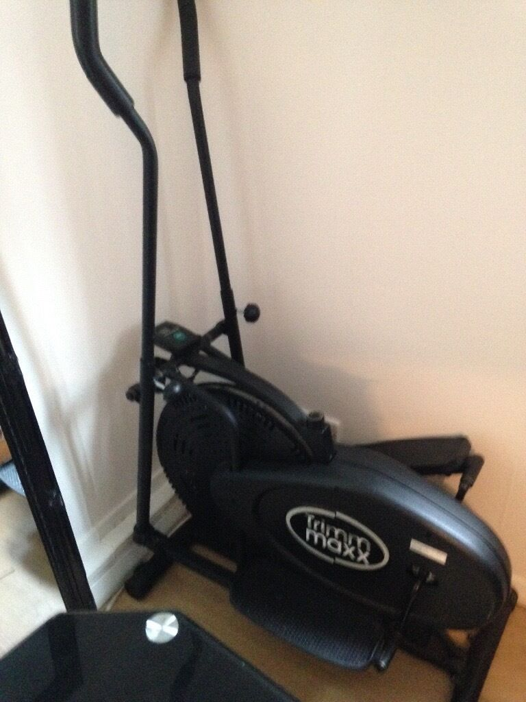 Cross Tranerin GlasgowGumtree - Pick up only great condition £40 Cadder area great to exercis at home