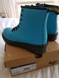 Aqua Dr Marten Delaney Boots size UK 2