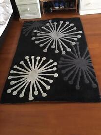 Starburst patterned rug