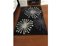 Starburst patterned rug