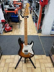 GUITAR ELECTRIQUE STRATOCASTER MADE IN MEXICO POUR 299.95$$