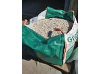 1 tonne bag of white/ cream gravel for sale