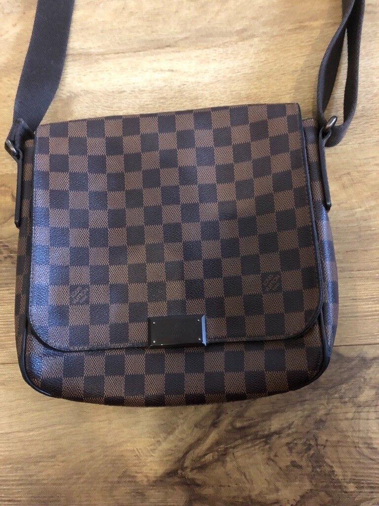 41af90e2460c08 Genuine Men s Louis Vuitton messenger bag. London £200.00