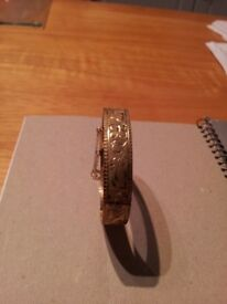9 CARAT GOLD PLATED BRACELET IN PRISTINE CONDITION UNWANTED PRESENT THIS WOULD MAKE A LOVELY GIFT