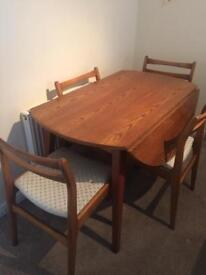 4 Seater Leaf drop table and chairs