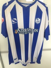 Sheffield wednesday: Atdhe Nuhiu real shirt that he played in signed by the wednesday squad
