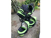 Twin baby pram in a very good condition, space saver